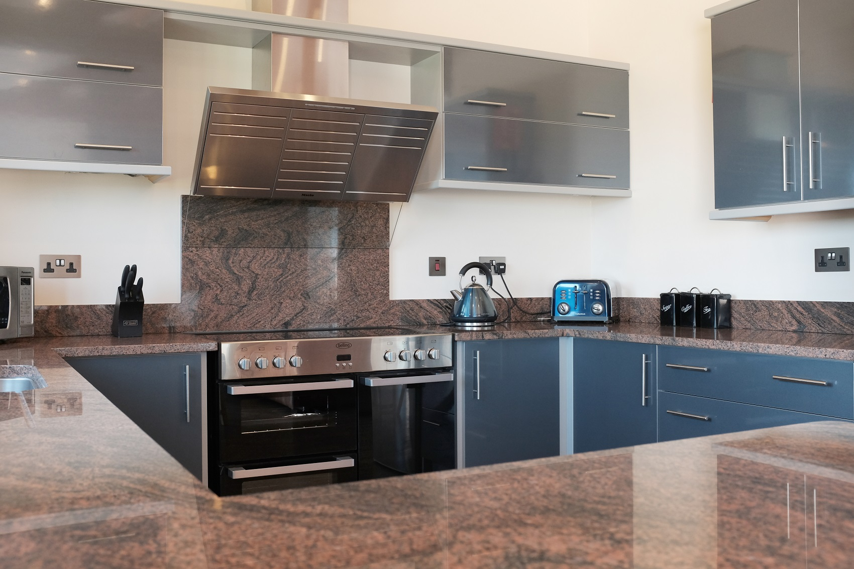 Juperana Columbo - Kitchen by RGB Holsworthy